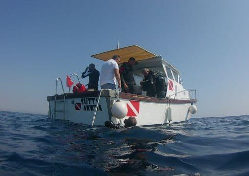 Imbarcazione Suttakkua Diving School